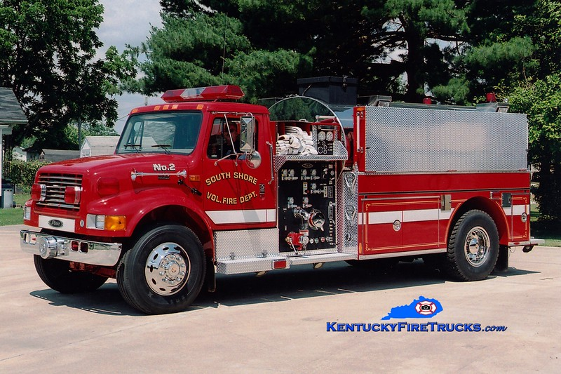 <center> South Shore  Tanker 2 <br> 2000 International 4900/Pierce 1250/2000 <br> Greg Stapleton photo </center>