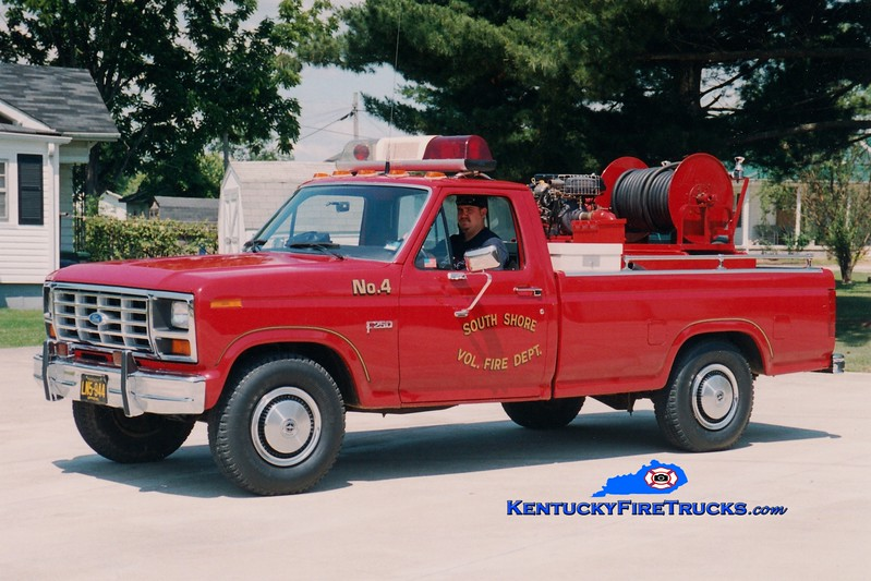 <center> RETIRED <br> South Shore  Brush 4 <br> 1983 Ford F-250 4x4/SSFD 250/250 <br> Greg Stapleton photo </center>