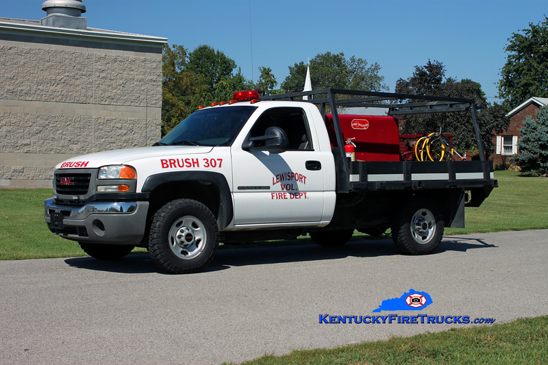 <center> Lewisport  Brush 307 <br> 2004 GMC 2500 4x4/Marco 250/250 <br> Kent Parrish photo </center>