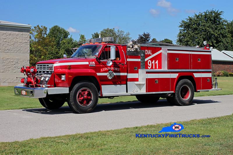 <center> RETIRED <br> Lewisport  Engine 305 <br> x-Engine 304 <br> 1982 Ford F-700/American 750/1000 <br> Kent Parrish photo </center>