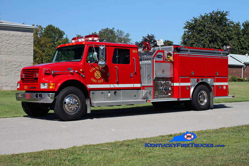 <center> Lewisport  Engine 303 <br> 1997 International 4900/E-One 1250/1000 <br> Kent Parrish photo </center>
