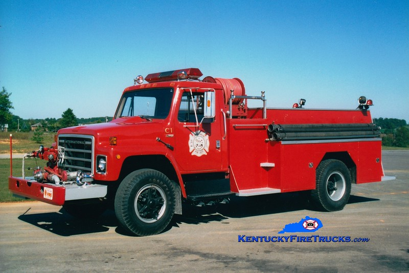<center> RETIRED <br> Central Hardin  Engine 1 <br> 1979 International/Local/CHFD 500/1000 <br> Greg Stapleton photo </center>