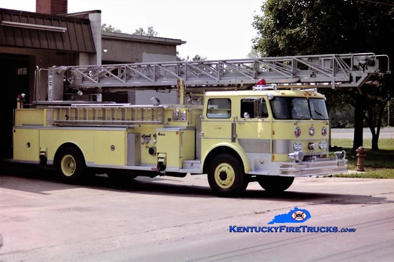 RETIRED<br /> Fort Knox Ladder <br /> 1979 Hahn/Fire-Tec/Firespire 1000/225/100' <br /> Greg Stapleton photo