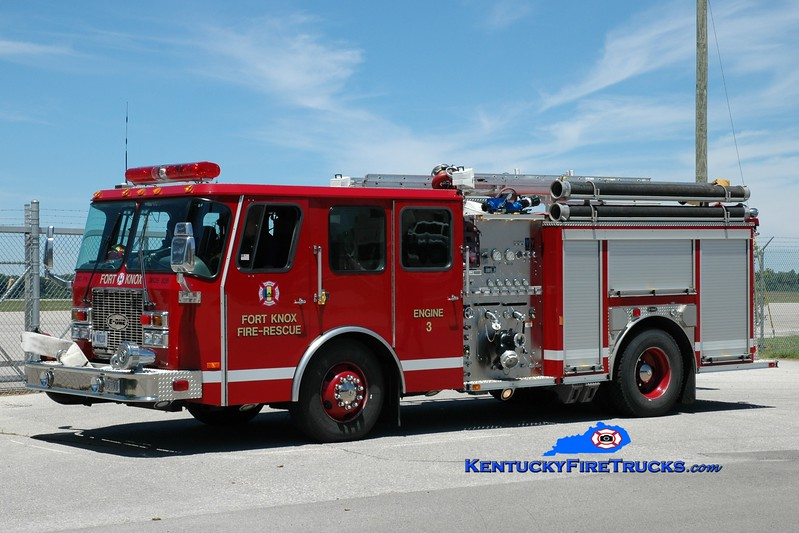 <center> Fort Knox  Engine 3 <br> x-Engine 2 <br> 2001 E-One Cyclone II 1250/500 <br> Greg Stapleton photo </center>