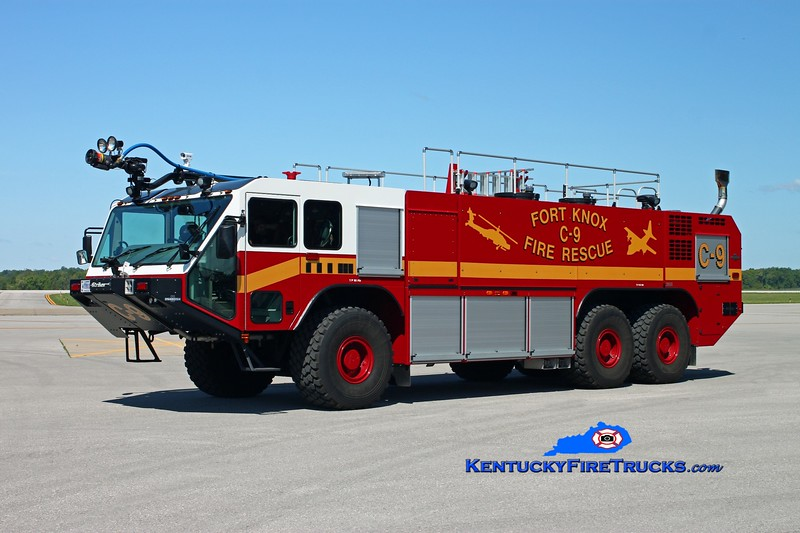 <center> Fort Knox  Crash 9 <br> 2011 Oshkosh Striker 1950/3000/420/550# PK <br> Kent Parrish photo </center>