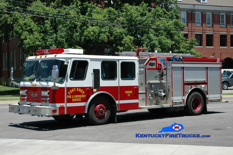 <center> Fort Knox  Reserve Engine 12 <br> 2001 E-One Hurricane TC 1000/500 <br> x-Fort Polk, AR <br> Greg Stapleton photo </center>