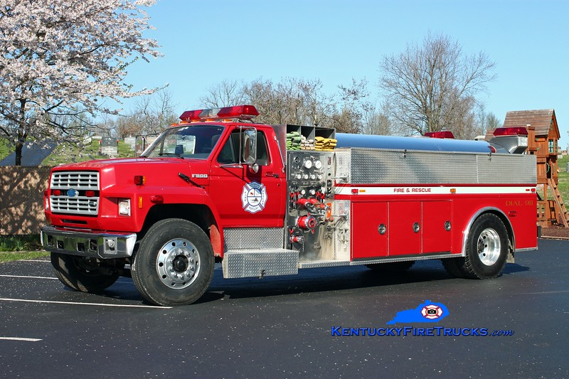 <center> Glendale  Tanker 2560  <br> 1992 Ford F-800/Starr Stainless 1000/1500 <br> Kent Parrish photo <br> </center>
