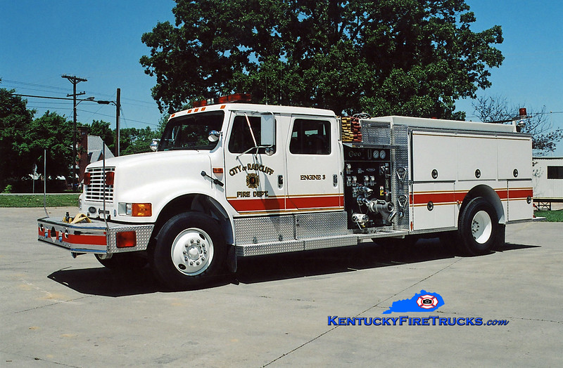 <center> RETIRED <br> Radcliff  Engine 3 <br> 1993 International 4900/Pierce 1250/1000 <br> Kent Parrish photo </center>