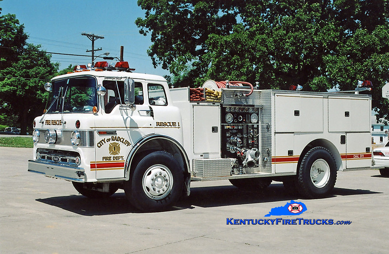 <center> RETIRED <br> Radcliff  Rescue 1 <br> 1984 Ford C-8000/Pierce 1250/500 <br> Kent Parrish photo </center>