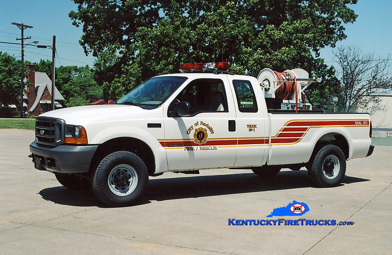 <center> Radcliff  Brush 1 <br> 2001 Ford F-350 4x4 250/200 <br> Kent Parrish photo </center>