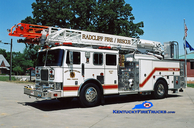 <center> Radcliff  Quint 1 <br> 2000 Seagrave Marauder  1500/500/75' Meanstick <br> Kent Parrish photo </center>