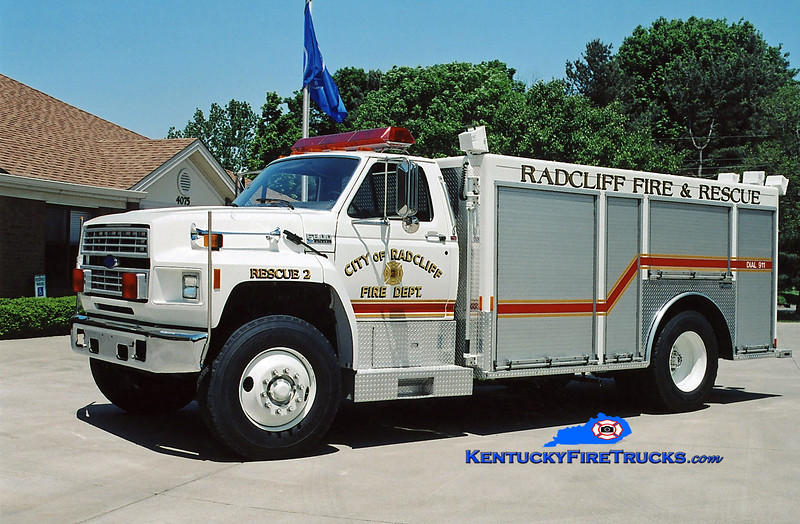 <center> RETIRED <BR> Radcliff  Rescue 2 <br> 1993 Ford F-800/Marion <br> Kent Parrish photo </center>