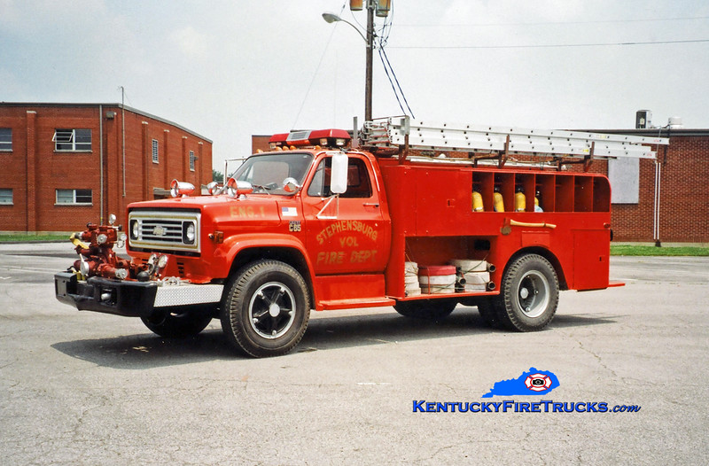 <center> RETIRED <br> Stephensburg  Engine 1 <br> x-Hardin County Rescue Squad, KY <br> 1976 Chevy C65/Local 500/850 <br> Kent Parrish photo </center>