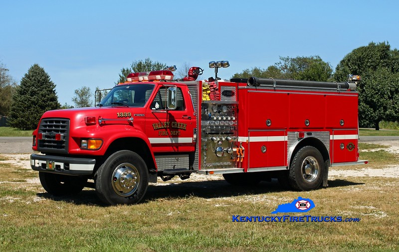 <center> Valley Creek  Engine 1339 <br> x-East Bernstadt, KY <br> 1997 Ford F-800/E-One 1250/1000/30 <br> Kent Parrish photo </center>
