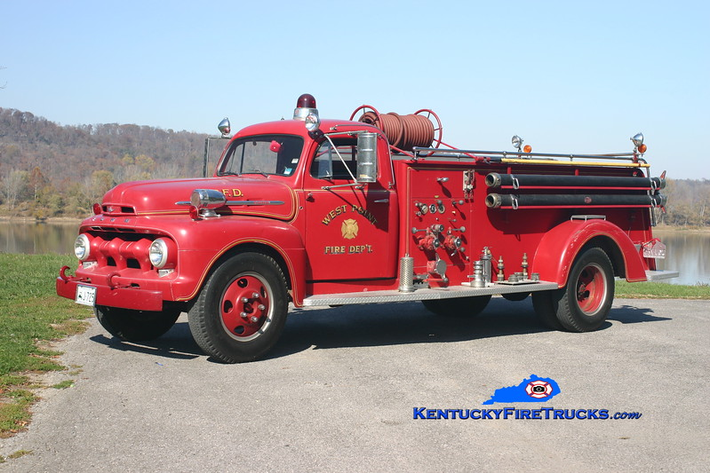 <center> West Point  Antique  <br> 1952 Ford F5/Midwest-Boyer 500/500 <br> Kent Parrish photo </center>