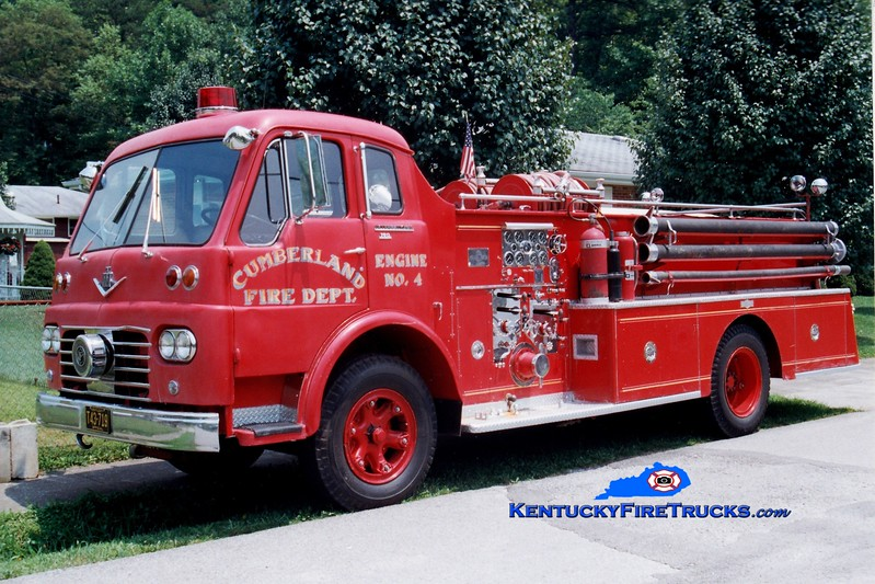 <center> RETIRED <br> Cumberland  Engine 4 <br> 1962 International VCO/Pirsch 750/500 <br> Greg Stapleton photo </center>