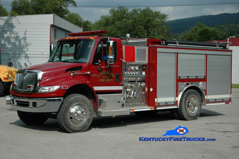 <center> Cumberland  Engine 5 <br> 2006 International 4400/E-One 1250/1000 <br> Greg Stapleton photo </center>