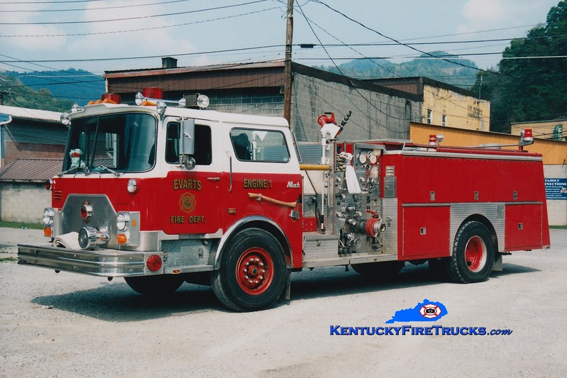 <center> RETIRED <br> Evarts Engine 1 <br> x-Milburn, NJ <br> 1987 Mack CF/Ward 79 1250/750 <br> Greg Stapleton photo </center>