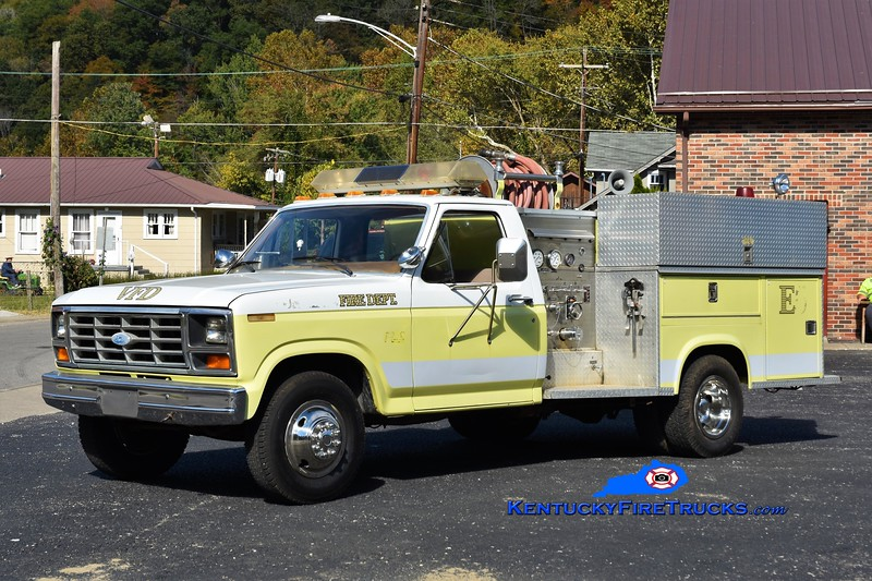 Evarts  Engine 3<br /> x-Sunshine, KY <br /> 1985 Ford F-350/American 250/300<br /> Greg Stapleton photo