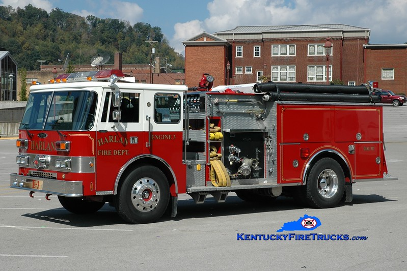 <center> Harlan  Engine 3 <br> 1988 Pierce Dash D-8000 1250/750 <br> Greg Stapleton photo </center>