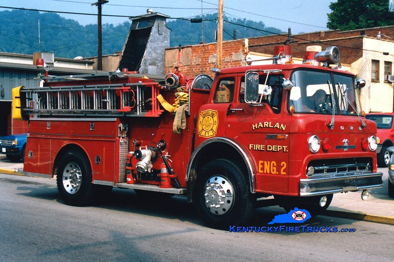 <center> Harlan  Engine 2 <br> 1977 Ford C/American LaFrance 1250/750 <br> Greg Stapleton photo </center>