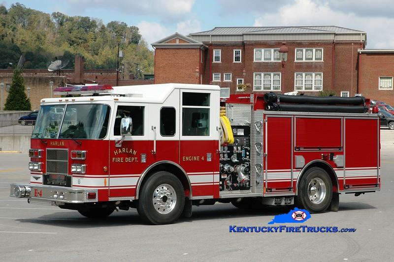 <center> Harlan  Engine 4 <br> 2005 Pierce Contender 1500/1000/40 <br> Greg Stapleton photo </center>