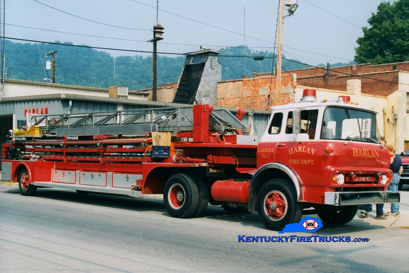 <center> RETIRED <br> Harlan  Ladder 1 <br> x-Huntington, WV <br> 1967 GMC/1946 American LaFrance 75' <br> Greg Stapleton photo </center>