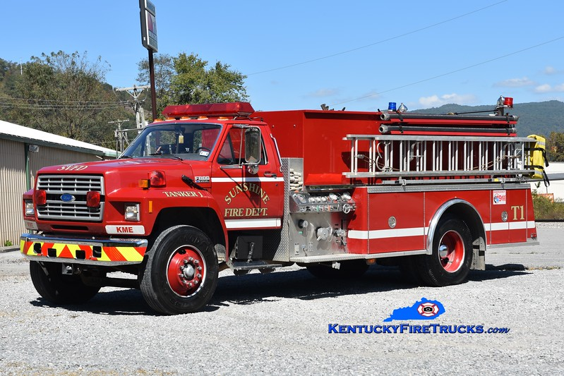 Sunshine  Tanker 1<br /> x-Largo Vista, TX<br /> 1992 Ford F-800/KME 500/1800<br /> Greg Stapleton photo