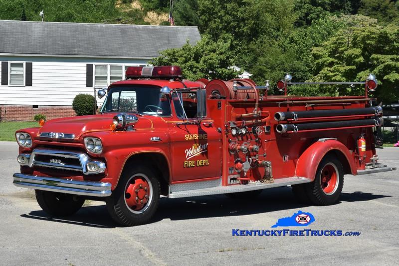 Sunshine  Engine 1<br /> x-Erlanger, KY<br /> 1959 GMC 374/Boyer 500/500<br /> Greg Stapleton photo