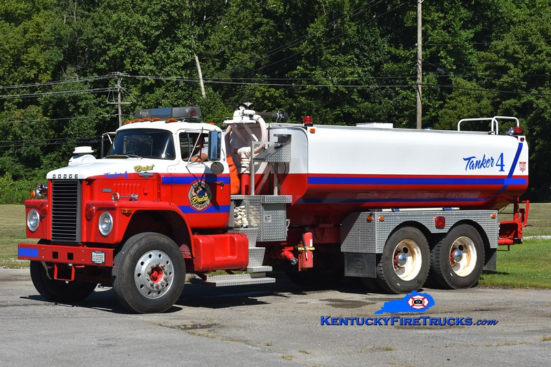 Sunshine  Tanker 4<br /> x-USAF & Hargett TN<br /> 1972 Dodge 800/Dondec/Local 1000/400<br /> Greg Stapleton photo