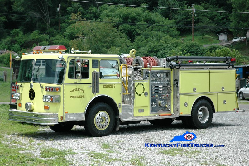 <center> RETIRED <br> Sunshine  Engine 2 <br> x-Muncie, IN <br> 1986 Sutphen Deluge 1500/500 <br> Greg Stapleton photo </center>