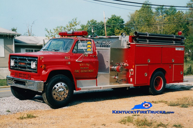 <center> Wallins  Engine 2 <br> 1985 GMC/E-One 1000/750 <br> Greg Stapleton photo </center>
