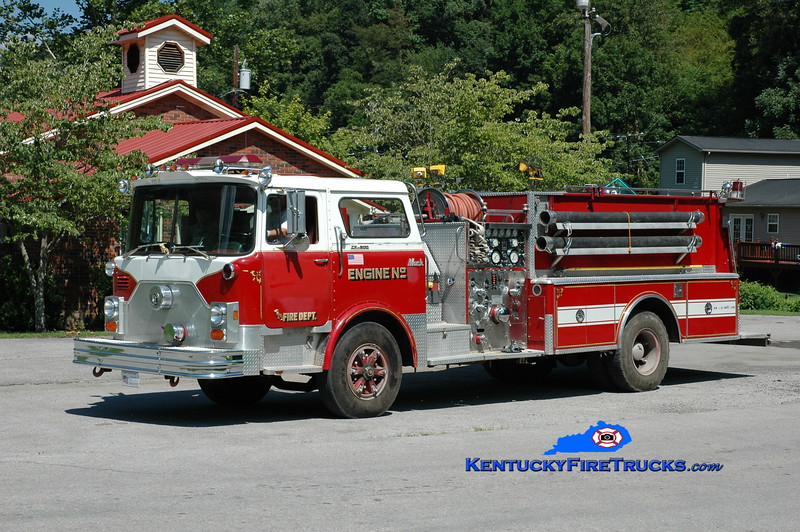 <center> Yocum Creek  Engine 2 <br> x-Cromwell, CT <br> 1976 Mack CF/1989 FAS 1250/750 <br> Greg Stapleton photo </center>