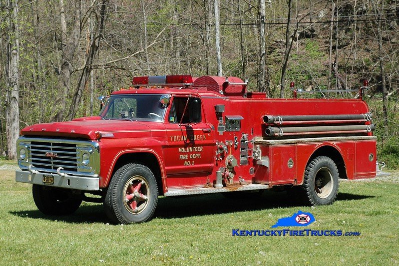 Yocum Creek  Antique<br /> 1967 Ford F-750/Howe 500/750<br /> Greg Stapleton photo