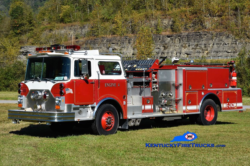 OUT OF SERVICE <br /> Yocum Creek  Engine 4<br /> x-New Hyde Park, NY & Palm Coast, FL<br /> 1986 Mack CF/Hahn 1750/500<br /> Greg Stapleton photo