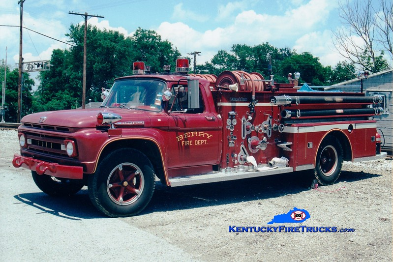 <center> Berry  Engine 1 <br> 1961 Ford F/American LaFrance 750/300 <br> Greg Stapleton photo <br> </center>