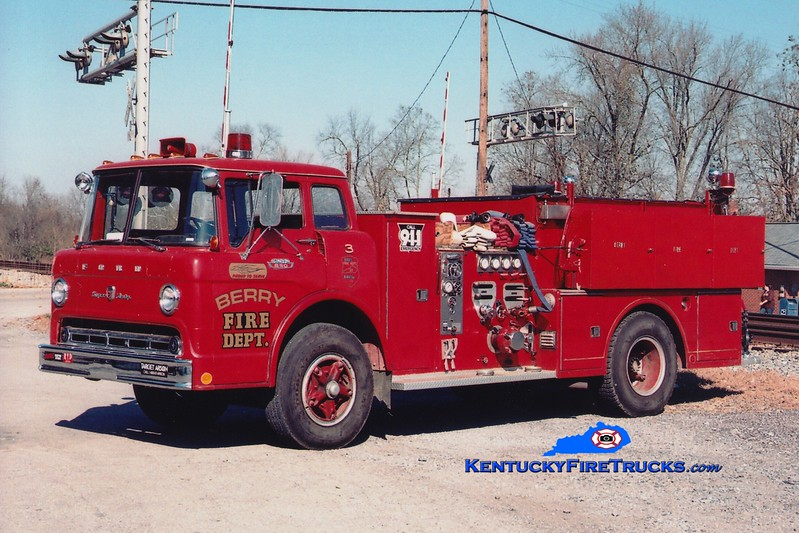 <center> Berry  Engine 3 <br> x-Burlington, KY <br> 1968 Ford C/Ward LaFrance 1000/750 <br> Greg Stapleton photo <br> </center>