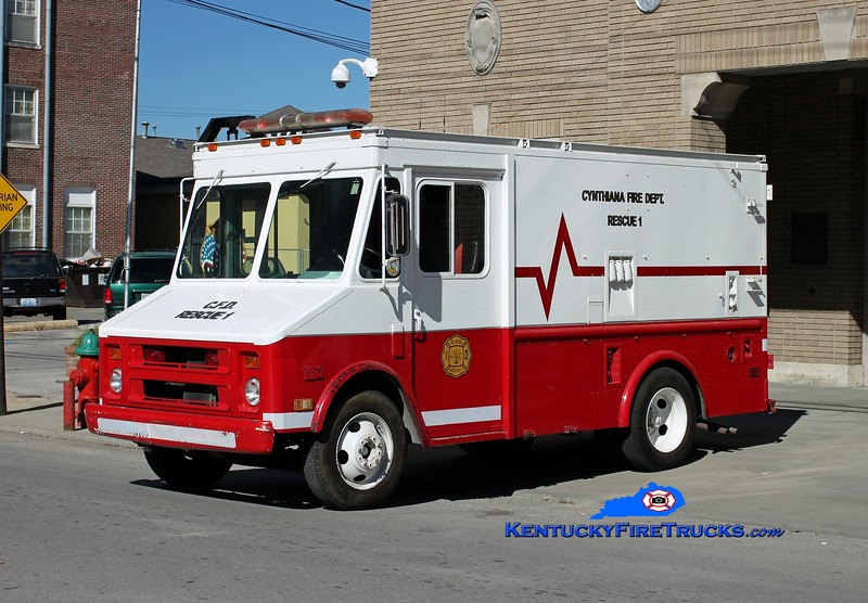 <center> Cynthiana  Rescue 1 <br> x-US Navy <br> 1985 GMC Step Van <br> Kent Parrish photo </center>