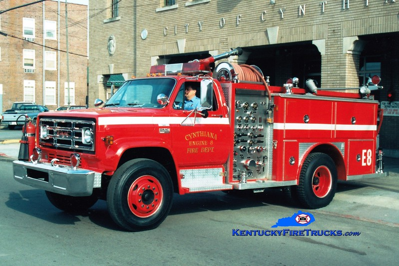 <center> RETIRED <br> Cynthiana Engine 8  <br> 1977 GMC/E-One 1000/500 <br> Greg Stapleton photo </center>