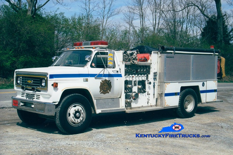 <center> RETIRED <BR> Harrison County  Engine 5 <br> X-Point Pleasant, KY <br> 1985 Chevy/FMC 1000/1000 <br> Greg Stapleton photo <br> </center>