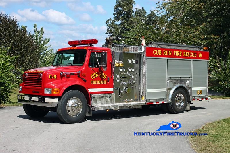 <center> Cub Run Engine 5 <br> 1999 International 4900/E-One 1250/1000 <br> Kent Parrish photo </center>