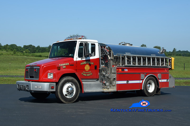 Hardyville Tanker 38 <br /> 1993 Freightliner FL80/4 Guys 500/1800<br /> Kent Parrish photo