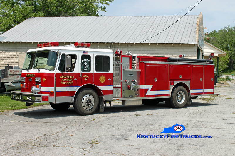 <center> Hardyville  Engine 32 <br> x-Lauderdale Lakes, FL <br> 1991 E-One Hush 1500/750 <br> Kent Parrish photo </center>
