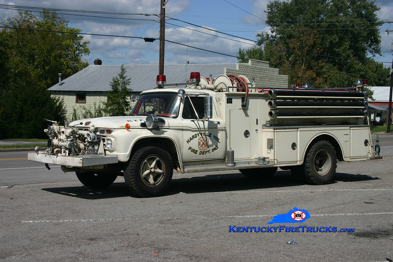 <center> RETIRED <br> Hardyville  Engine 2  <br> 1966 Ford F-750/Oren 750/750 <br> Kent Parrish photo </center>