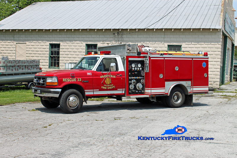 <center> Hardyville  Rescue 33  <br> 1995 Ford SD 4x4/Ferrara 300/300 <br> Kent Parrish photo </center>