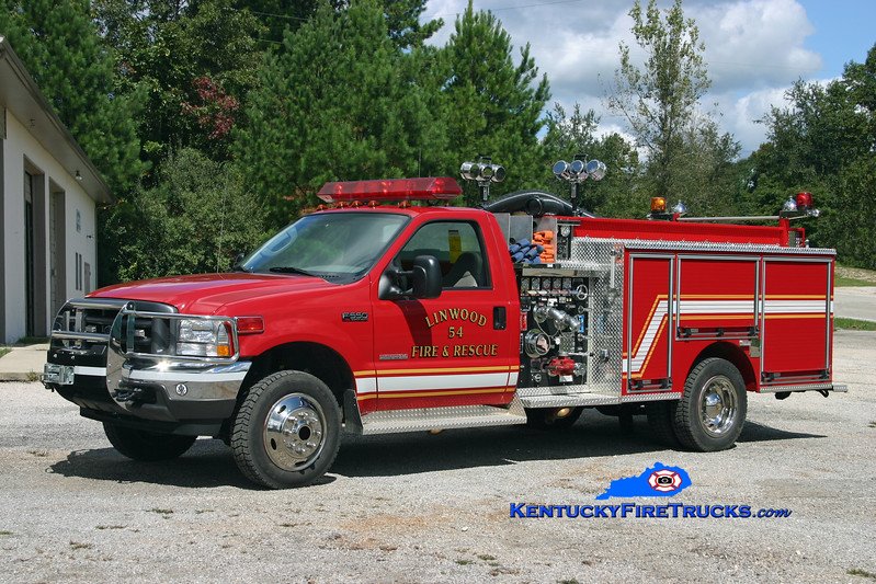 <center> Linwood  Engine 54 <br> 2004 Ford F-550 4x4/Pierce Contender 750/300 <br> Kent Parrish photo </center>