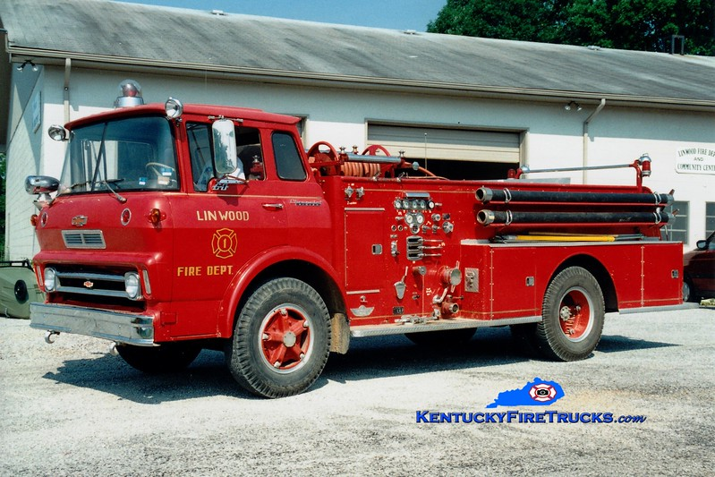 <center> RETIRED <br> Linwood  Engine 1 <br> x-Eminence, KY <br> 1966 GMC/American 750/500 <br> Greg Stapleton photo </center>