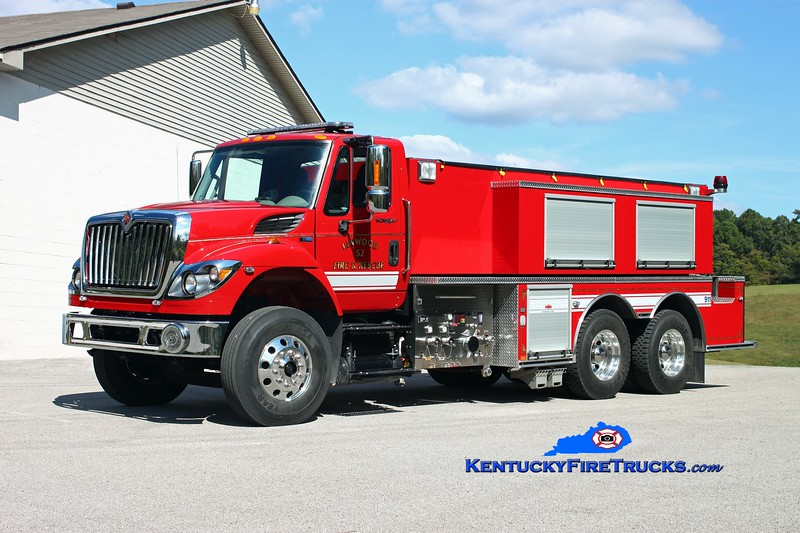 <center> Linwood  Tanker 52 <br> 2013 International 7400/Midwest Fire 500/2500 <br> Kent Parrish photo </center>