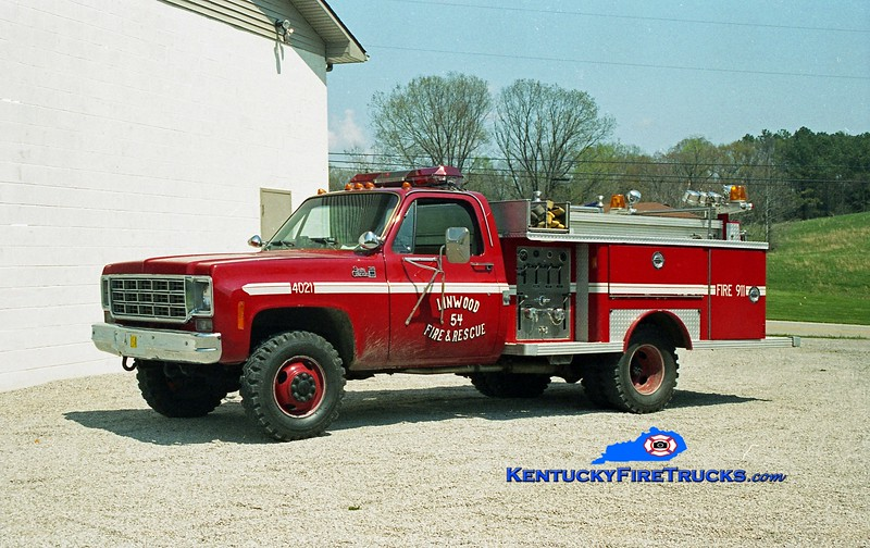 <center> RETIRED <br> Linwood  Engine 55 <br> x-Lake Dreamland, KY <br> 1977 GMC C25 4x4/E-One 250/250 <br> Kent Parrish photo </center>