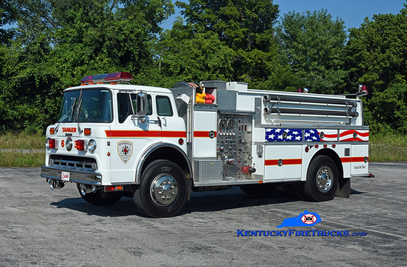 Munfordville Tanker 63<br /> x-Middletown & Shelby County, KY<br /> 1987 Ford C-8000/Grumman 475/1500/50<br /> Kent Parrish photo
